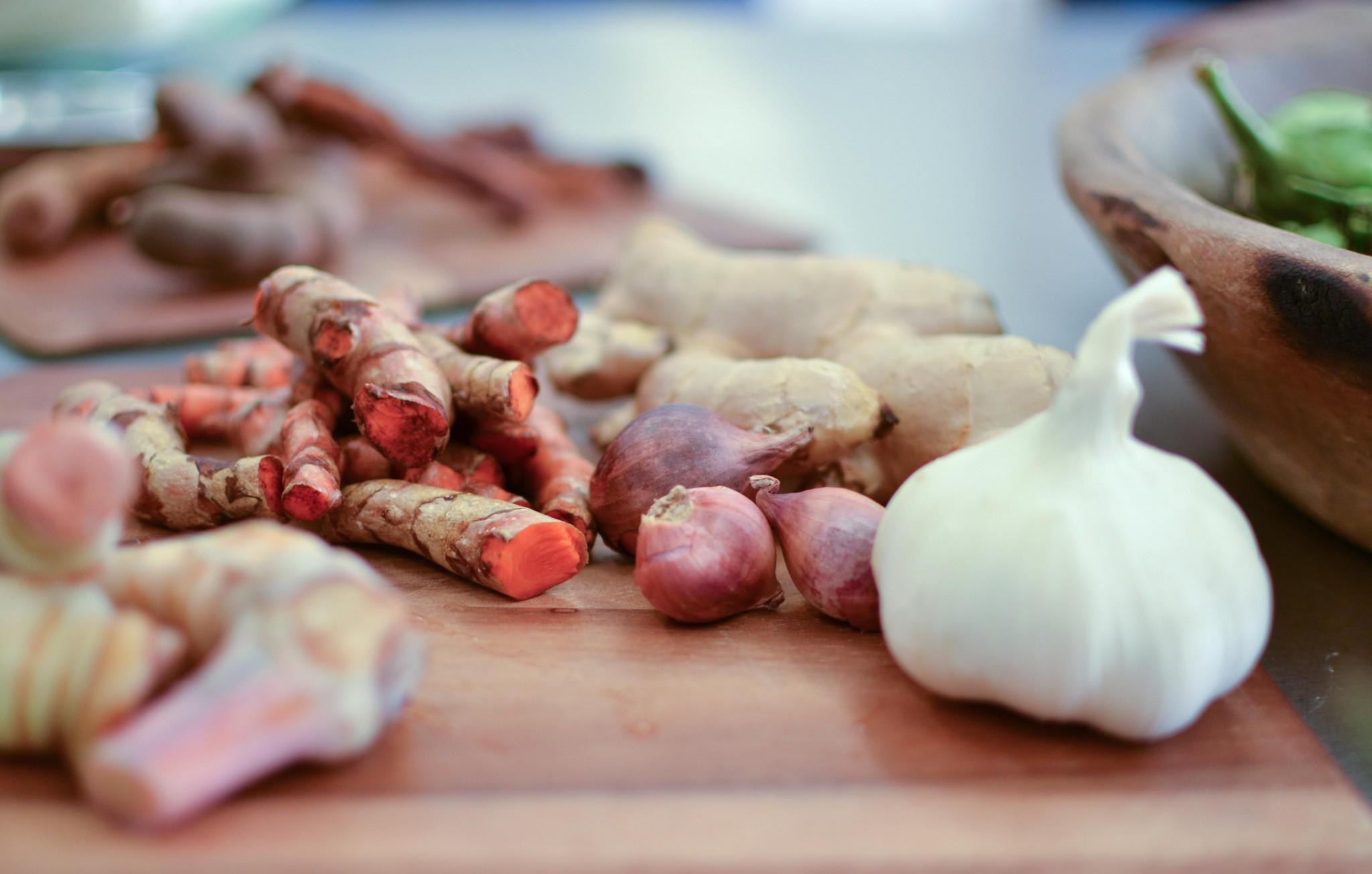 turmeric ginger garlic galangal