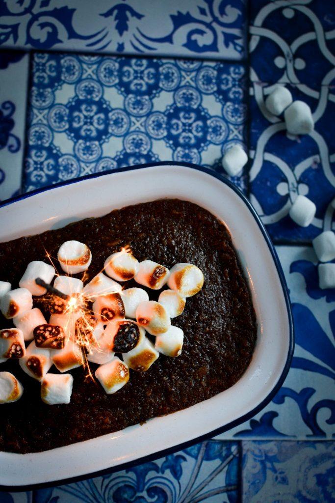 bonfire, gingerbread, parkin