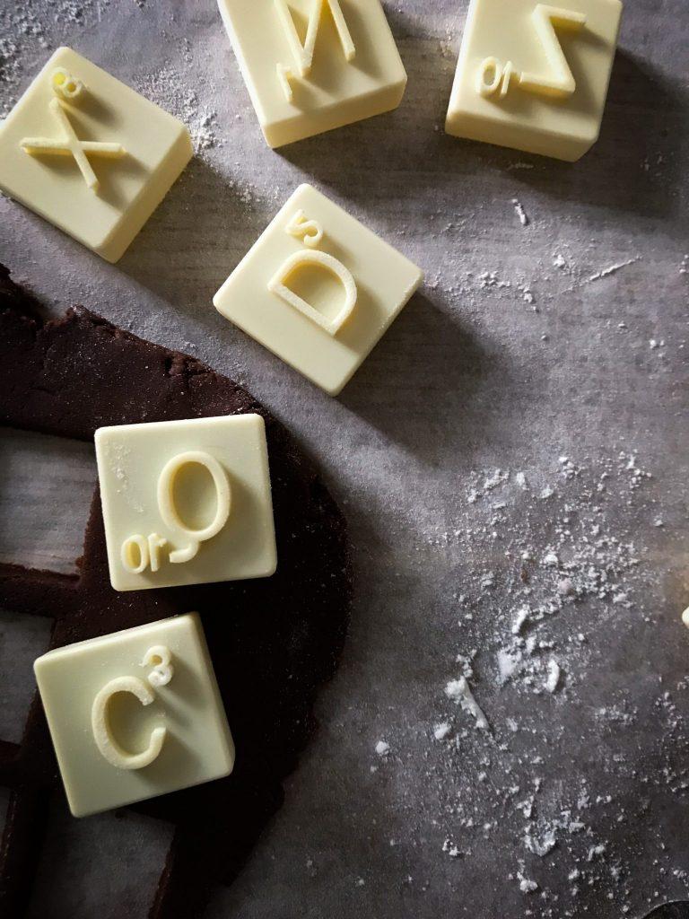 urvashi roe , scrabble , cookie, biscuit